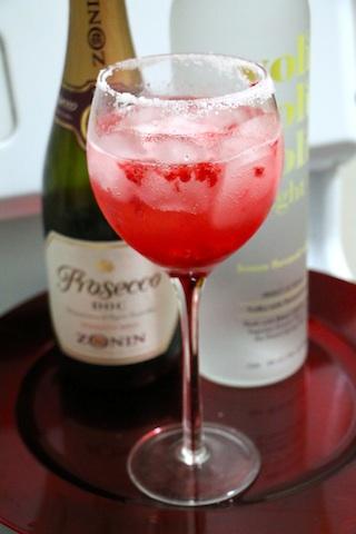 rasberry-prosecco-cocktai