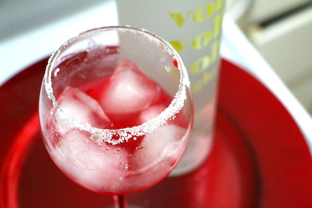rasberry-vodka-ice
