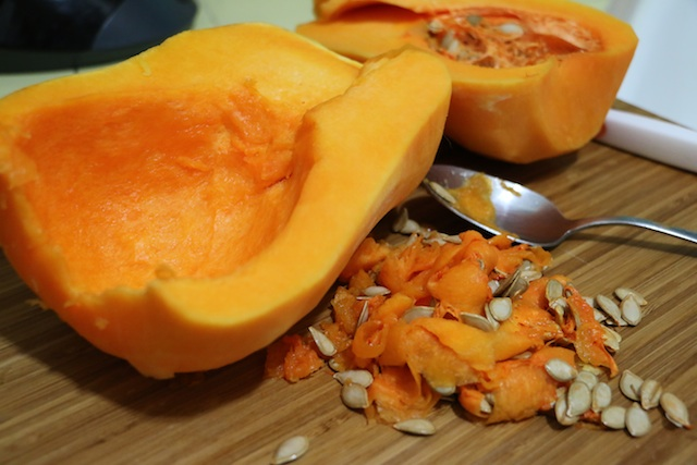 butternut-seeds-scooped