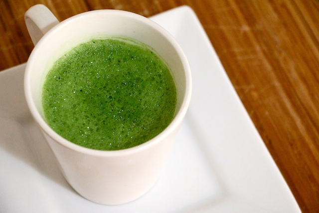 light-frothy-green-tea-latte