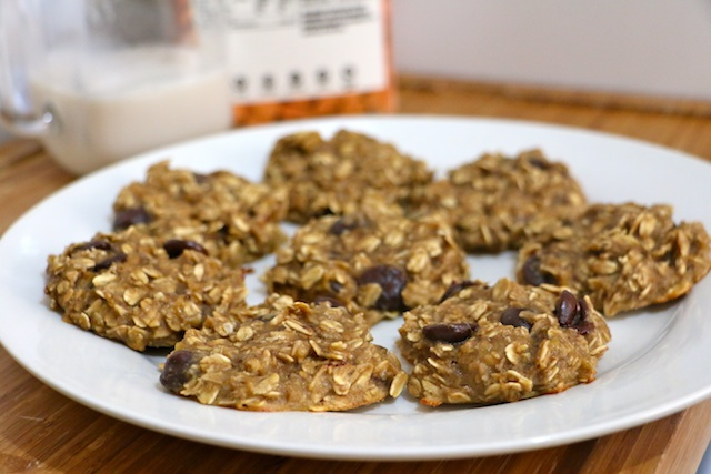 4-ingredient-peanut-butter-oatmeal-cookies