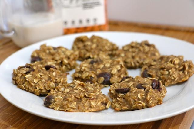 4-ingredient-peanut-butter-oatmeal-cookies