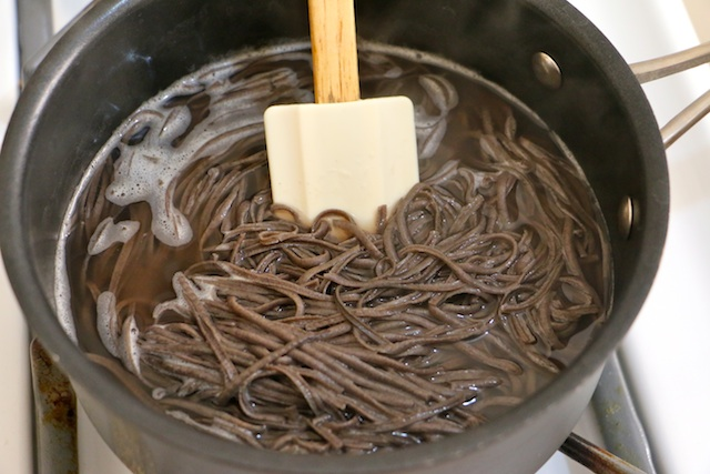how-to-cook-black-bean-pasta