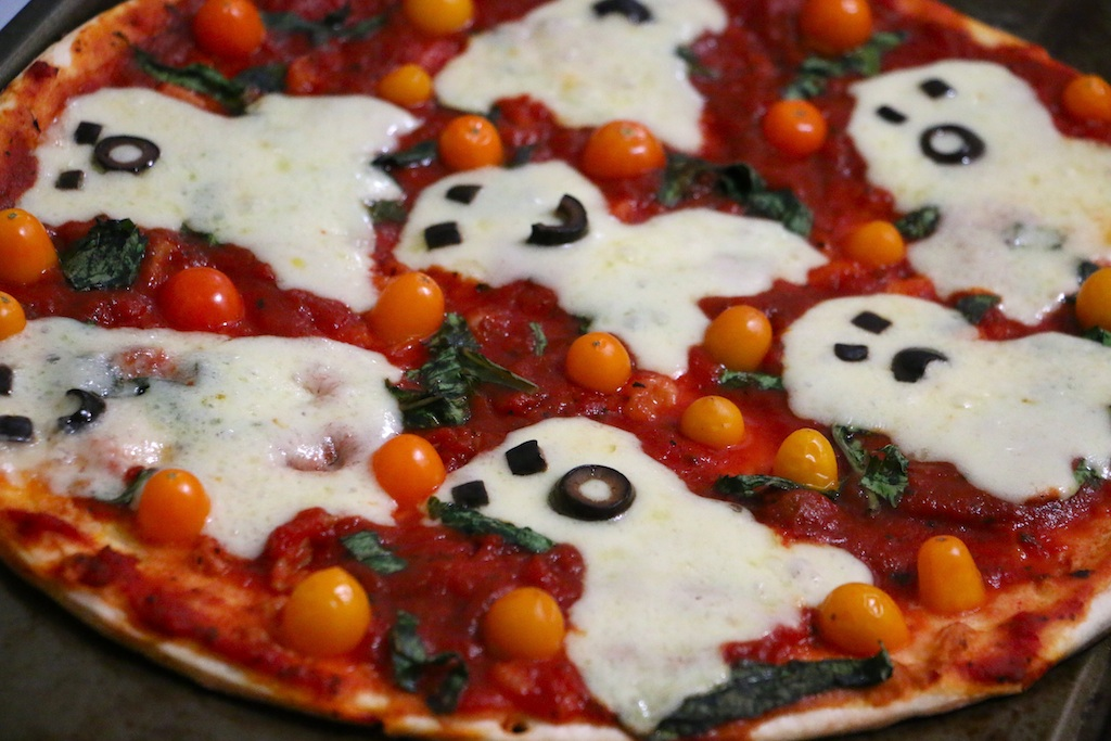 halloween-ghost-pizza-cooked
