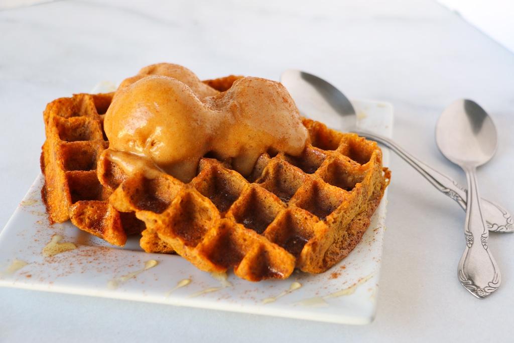 pumpkin-waffles-vegan
