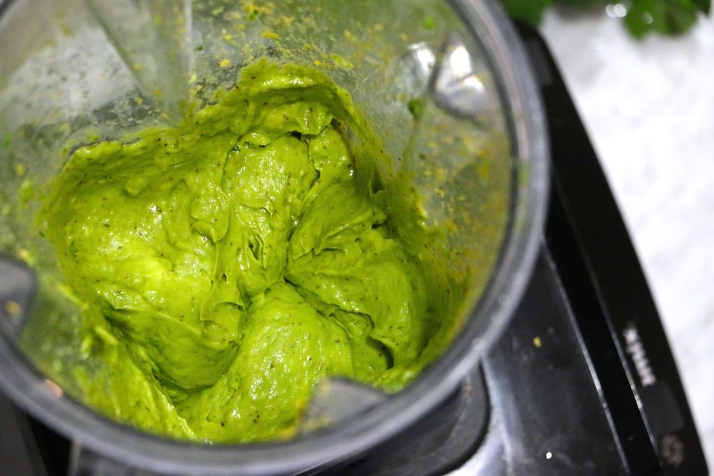 avocado-cheese-dip-vegan