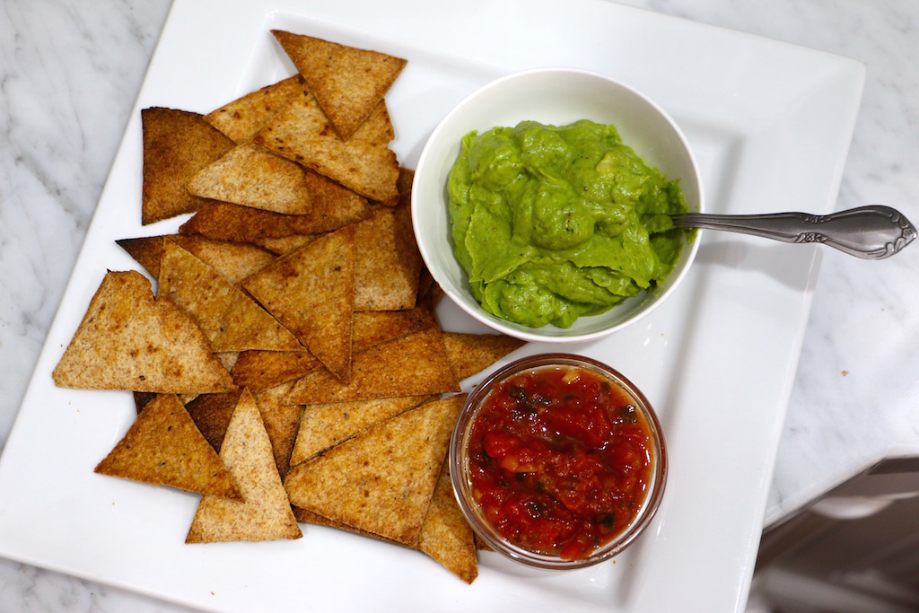 avocado-cheese-dip-whole-wheat-chips