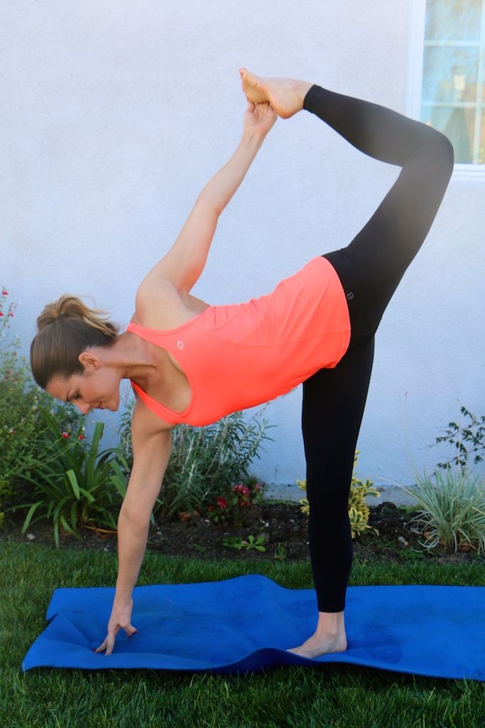 The 7 Best Yoga Poses For Athletes - Whitney E. RD