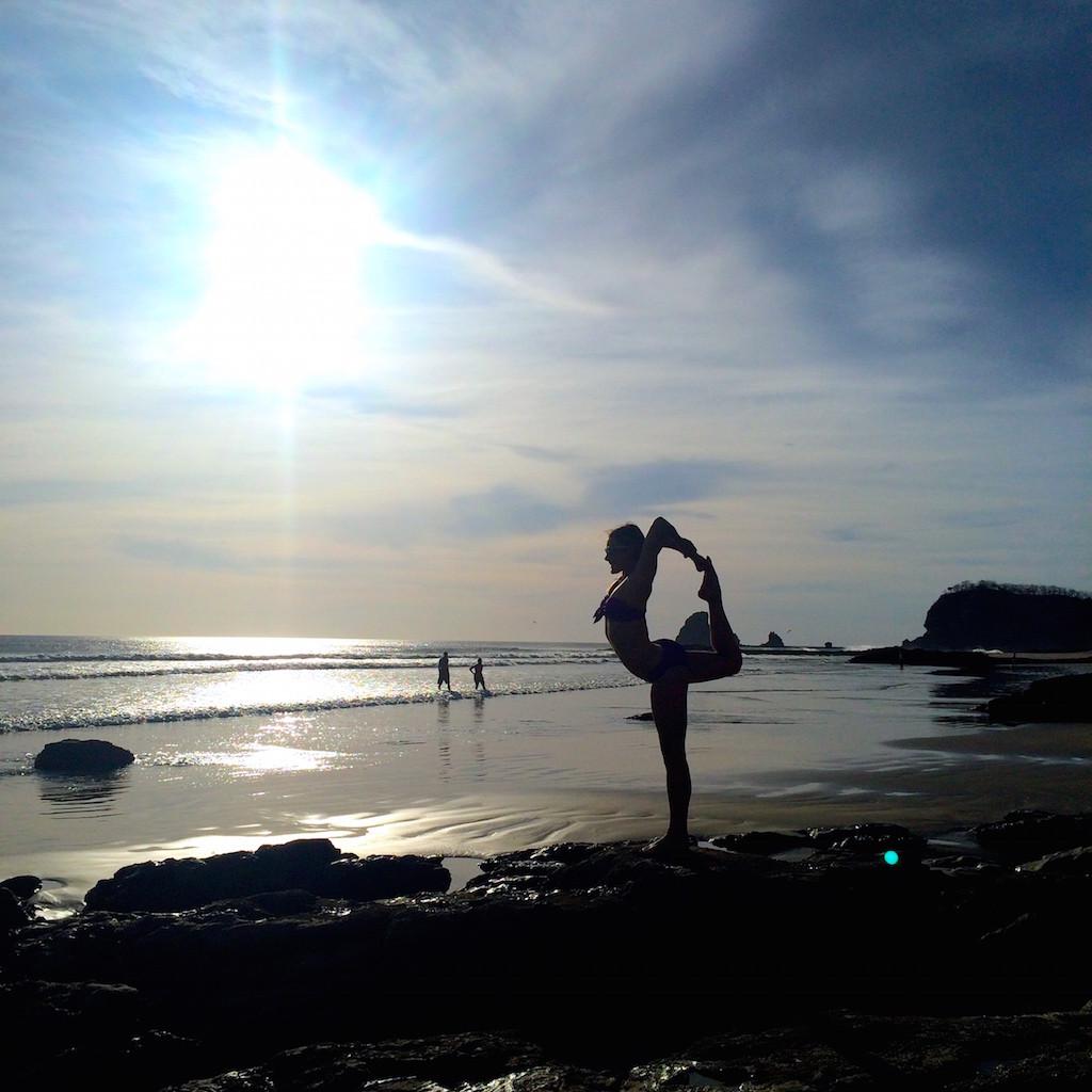 beach-yoga-nicaragua