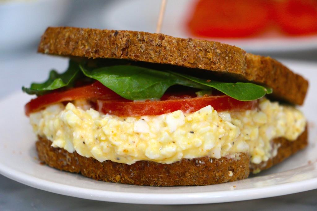 egg-salad-sandwich-healthy