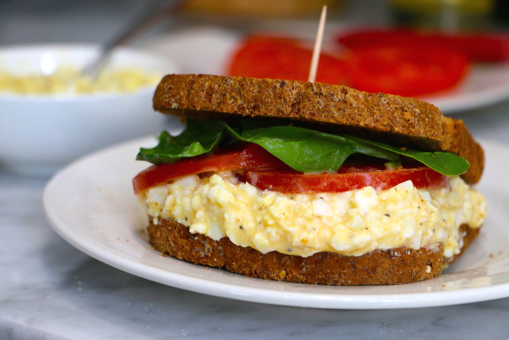 healthy-egg-salad-sandwich