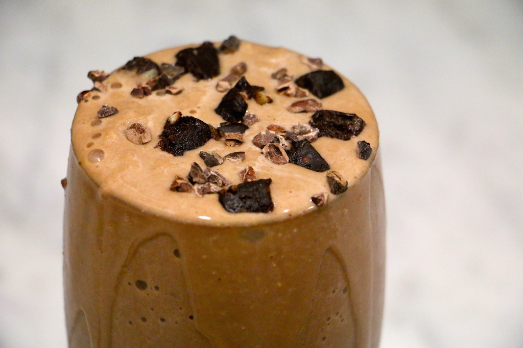 peanut-butter-chocolate-protein-smoothie