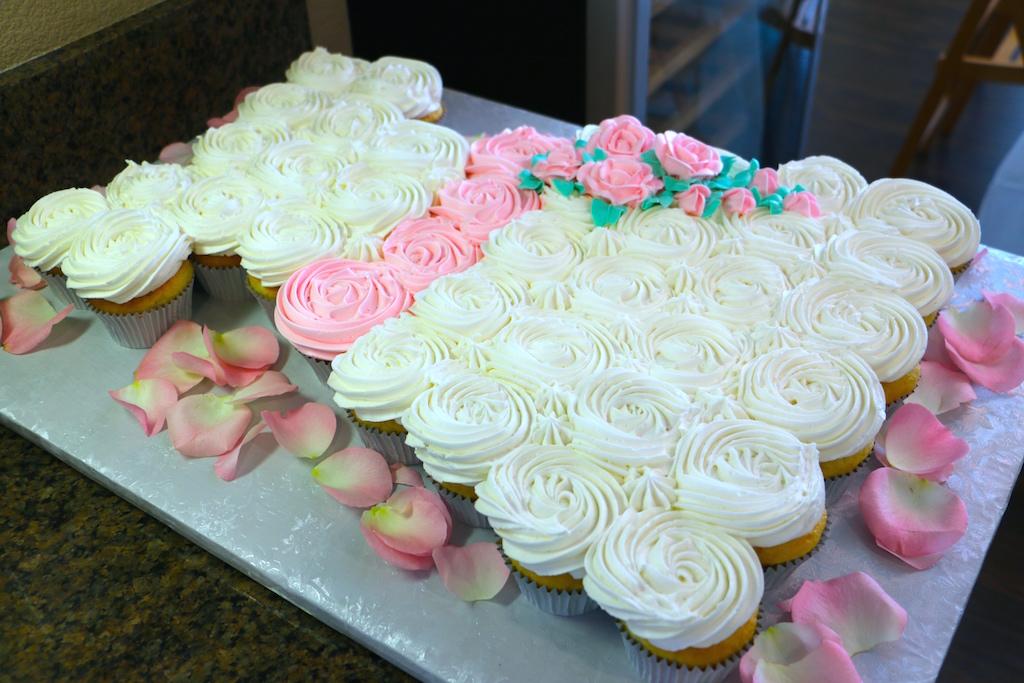 bridal-shower-cupcake-dress