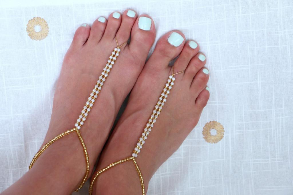 bearefoot-sandals-beach-wedding