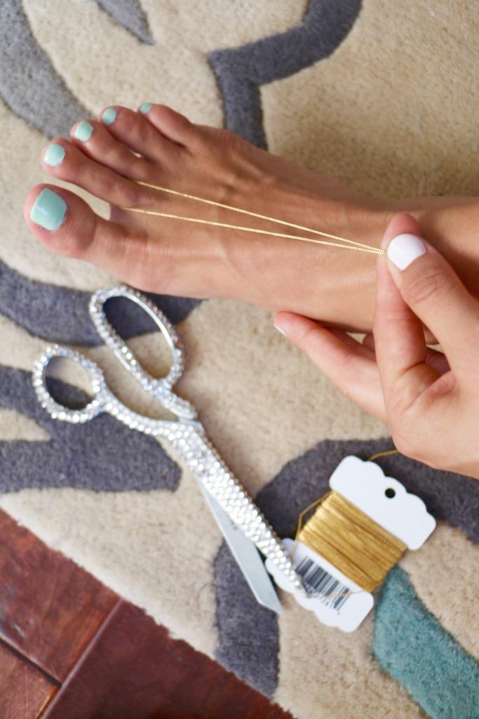 diy-barefoot-sandals-3