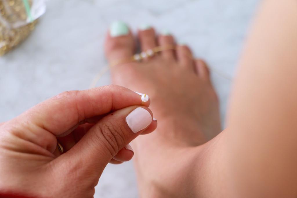 diy-barefoot-sandals-5