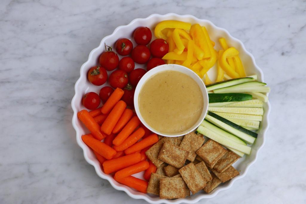 vegan-nacho-cheese-veggies