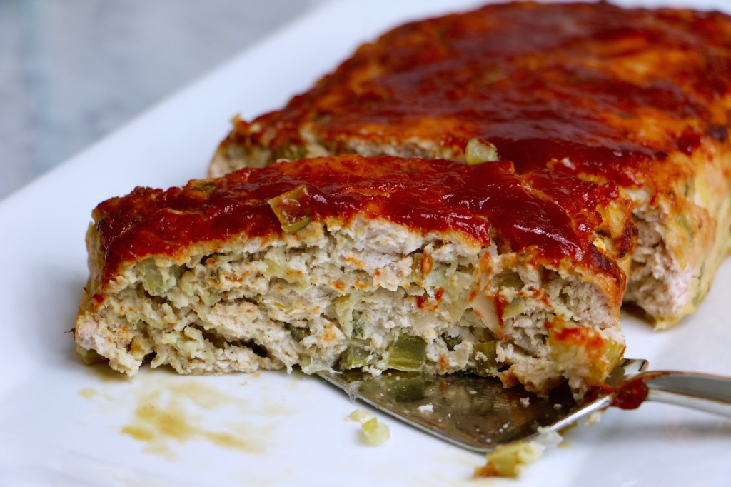 Apple Sage Turkey Meatloaf - so moist, delicious, and full of fall flavor. A great healthy alternative to beef recipes.