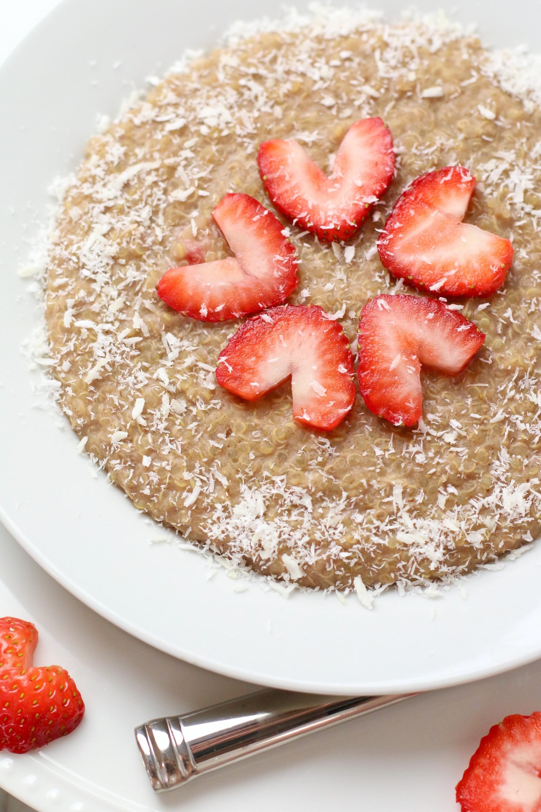 coconut-quinoa-breakfast-bowl