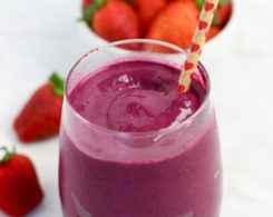 Beet-and-Strawberry-Smoothie.jpg
